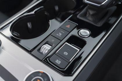 2021 Volkswagen Touareg R eHybrid - UK version 99