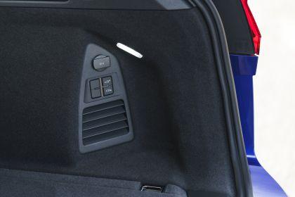 2021 Volkswagen Touareg R eHybrid - UK version 109