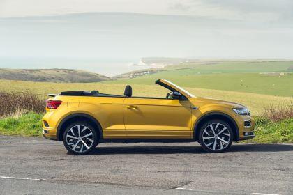 2021 Volkswagen T-Roc cabriolet R-Line - UK version 30