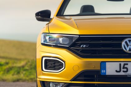 2021 Volkswagen T-Roc cabriolet R-Line - UK version 89