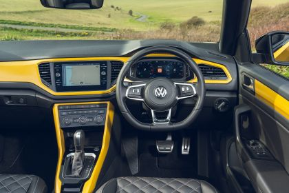 2021 Volkswagen T-Roc cabriolet R-Line - UK version 112