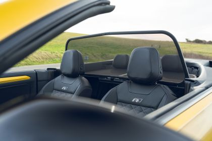 2021 Volkswagen T-Roc cabriolet R-Line - UK version 127