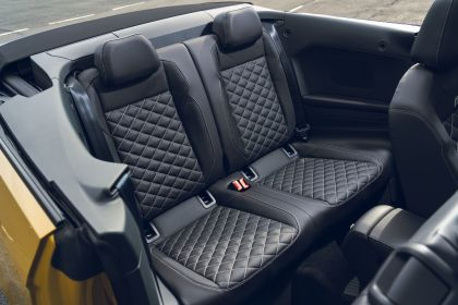 2021 Volkswagen T-Roc cabriolet R-Line - UK version 129