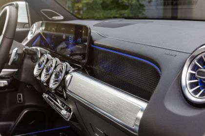 2022 Mercedes-Benz EQB 350 4Matic 69