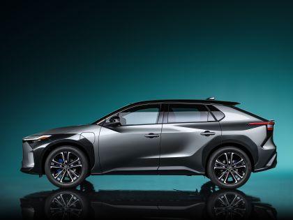 2021 Toyota bZ4X concept 3