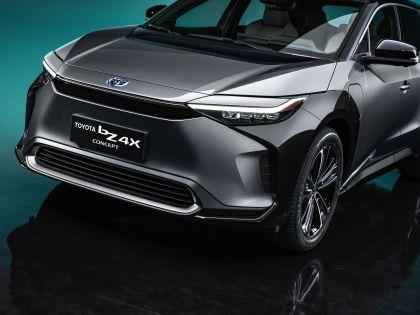 2021 Toyota bZ4X concept 7
