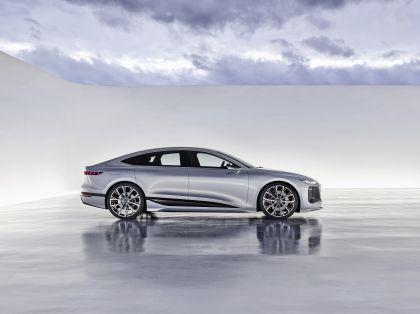 2021 Audi A6 e-tron concept 13