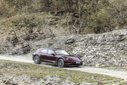 2022 Porsche Taycan 4 Cross Turismo 7
