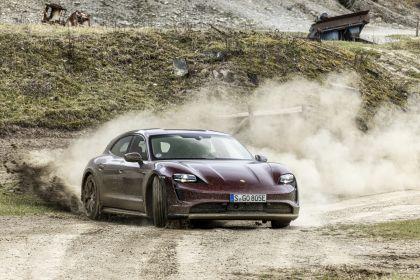 2022 Porsche Taycan 4 Cross Turismo 10