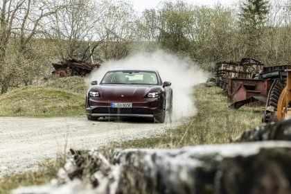 2022 Porsche Taycan 4 Cross Turismo 14