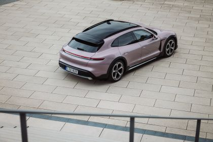 2022 Porsche Taycan 4 Cross Turismo 42