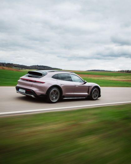 2022 Porsche Taycan 4 Cross Turismo 60