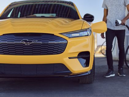 2021 Ford Mustang Mach-E GT Performance Edition 3