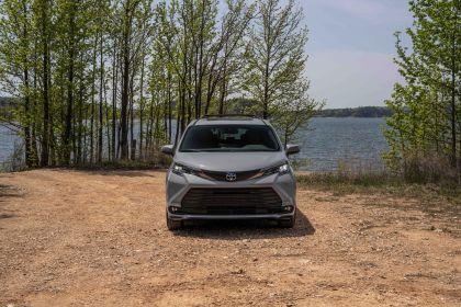 2022 Toyota Sienna Woodland Special Edition 7