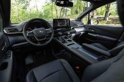 2022 Toyota Sienna Woodland Special Edition 19