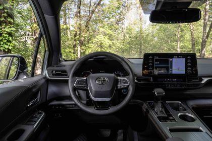 2022 Toyota Sienna Woodland Special Edition 21