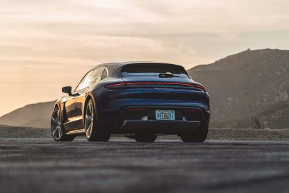 2021 Porsche Taycan Turbo Cross Turismo 16
