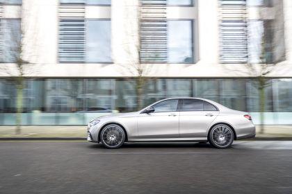 2021 Mercedes-Benz E 220 d - UK version 68