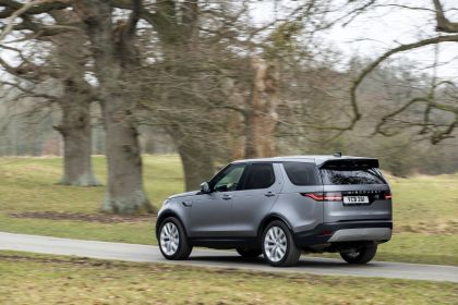 2021 Land Rover Discovery D300 MHEV SE 9