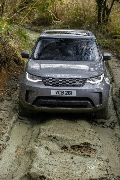2021 Land Rover Discovery D300 MHEV SE 16