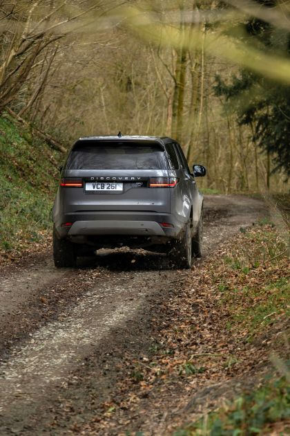 2021 Land Rover Discovery D300 MHEV SE 18