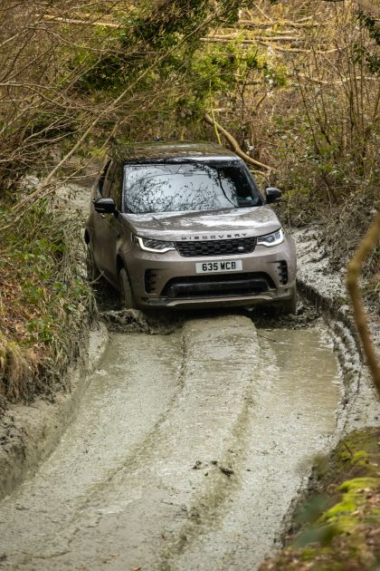 2021 Land Rover Discovery P360 MHEV R-Dynamic S 16