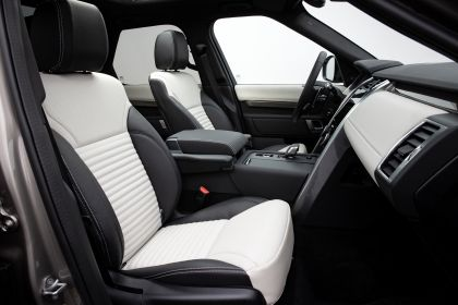 2021 Land Rover Discovery P360 MHEV R-Dynamic S 37