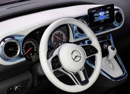 2021 Mercedes-Benz EQT concept 13