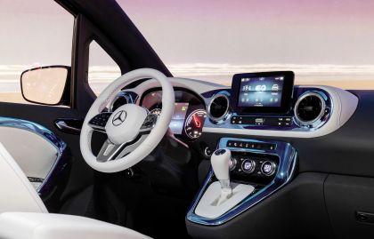 2021 Mercedes-Benz EQT concept 24