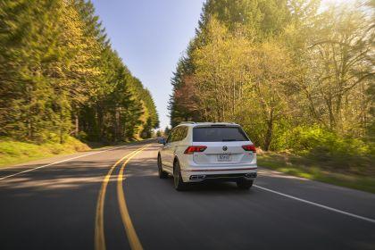 2022 Volkswagen Tiguan SEL R-Line - USA version 4