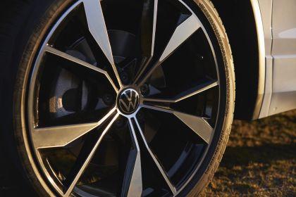 2022 Volkswagen Tiguan SEL R-Line - USA version 18