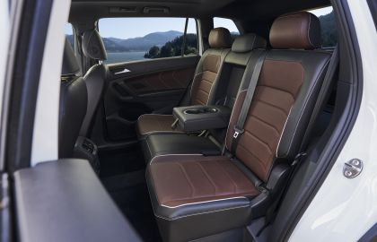 2022 Volkswagen Tiguan SEL R-Line - USA version 27