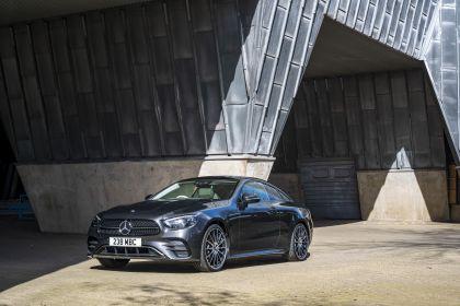 2021 Mercedes-Benz E 220 d coupé - UK version 9