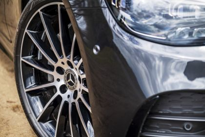 2021 Mercedes-Benz E 220 d coupé - UK version 24