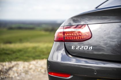 2021 Mercedes-Benz E 220 d coupé - UK version 26