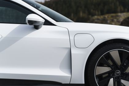 2021 Audi e-tron GT quattro - UK version 45