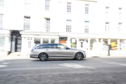 2021 Mercedes-Benz E 300 de Estate - UK version 4