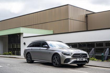 2021 Mercedes-Benz E 300 de Estate - UK version 8