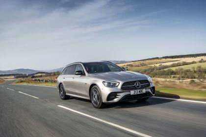 2021 Mercedes-Benz E 300 de Estate - UK version 17