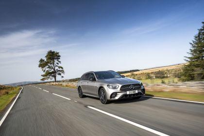 2021 Mercedes-Benz E 300 de Estate - UK version 19