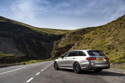 2021 Mercedes-Benz E 300 de Estate - UK version 31