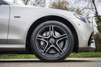 2021 Mercedes-Benz E 300 de Estate - UK version 40