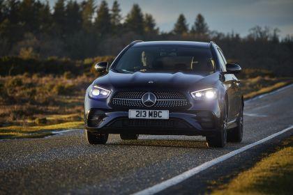 2021 Mercedes-Benz E 400 d Estate - UK version 20