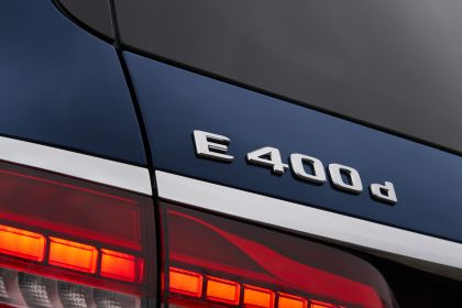 2021 Mercedes-Benz E 400 d Estate - UK version 24