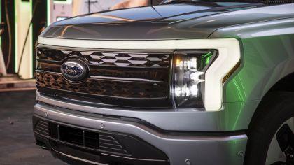 2022 Ford F-150 Lightning Platinum 7