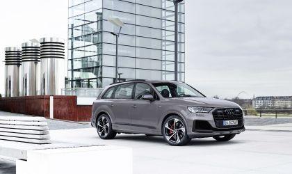 2022 Audi Q8 competition plus 1