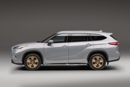 2022 Toyota Highlander Bronze Edition 2