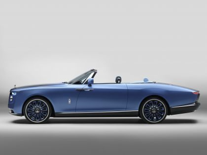 2021 Rolls-Royce Boat Tail concept 2