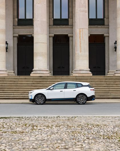 2022 BMW iX ( i20 ) xDrive40 105