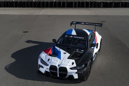 2022 BMW M4 ( G82 ) GT3 10
